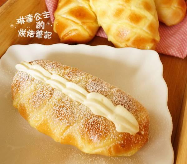 卡士達鮮奶油麵包 7