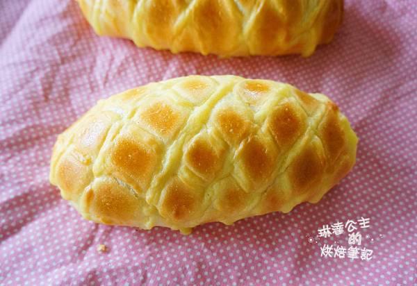 卡士達鮮奶油麵包 10