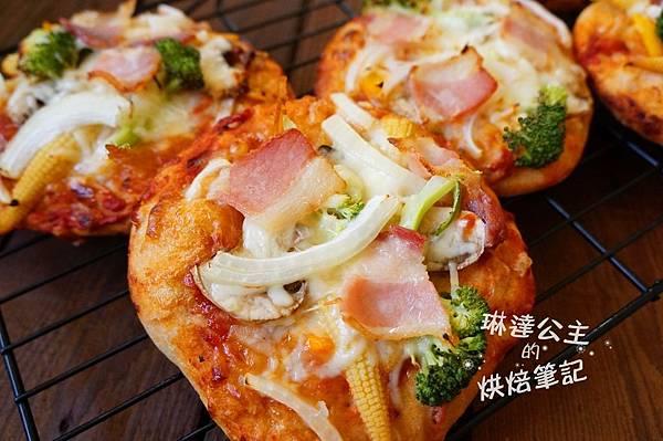 蔬菜培根披薩 1