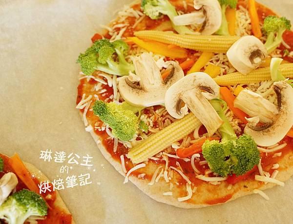 蔬菜培根披薩 3