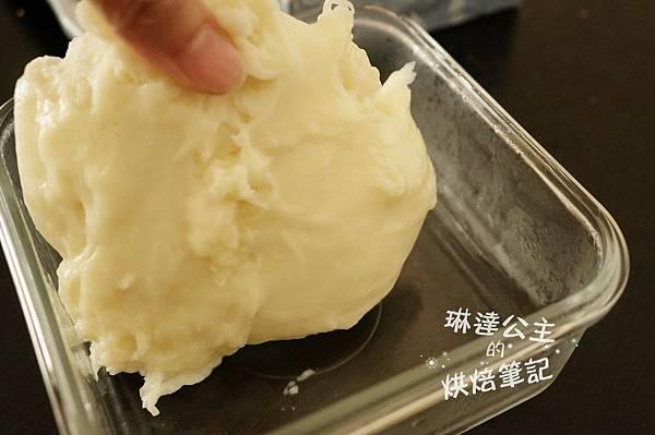 紅豆鮮奶麻糬麵包 10