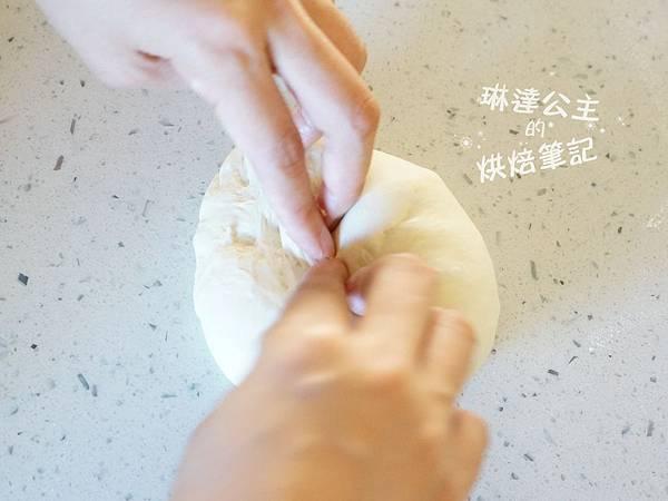 玉米濃湯麵包球 3