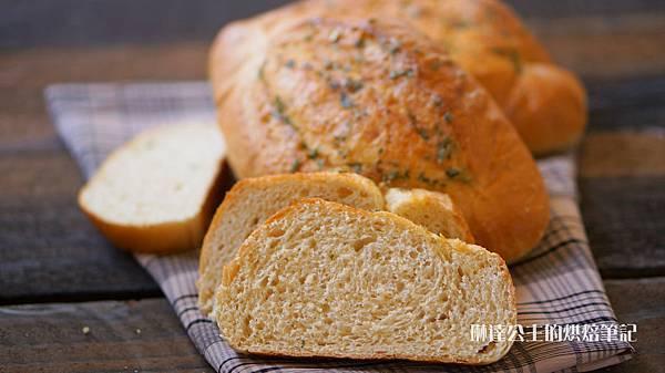 全麥香蒜奶油麵包-8