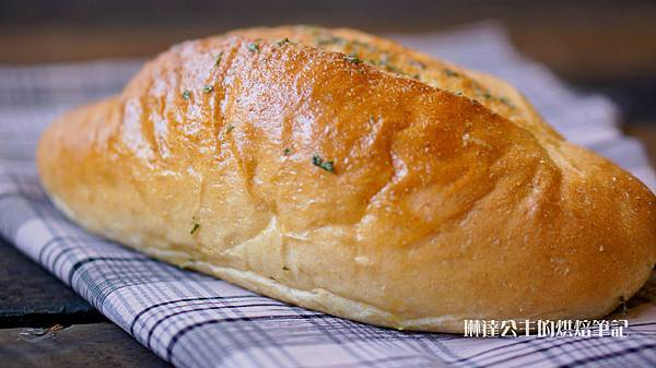 全麥香蒜奶油麵包-6