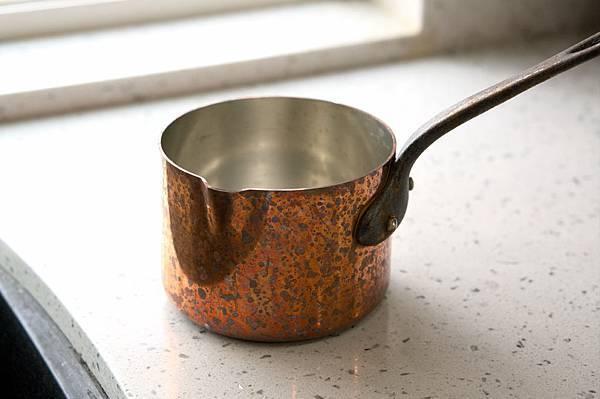 銅鍋清潔前-1