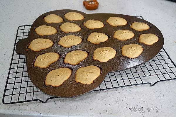 楓糖黑糖小蛋糕-12