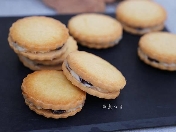 蘭姆葡萄夾心餅乾-6.JPG