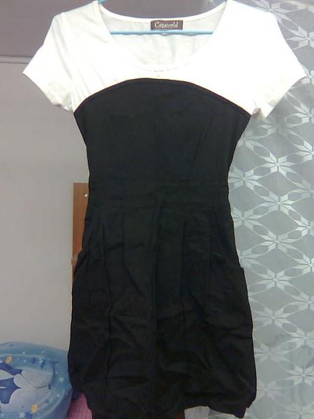 [售出]Catworld 黑白狂想‧假兩件式小洋裝