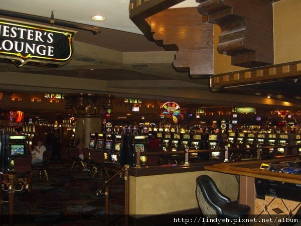 Luxor 的賭場大廳一角