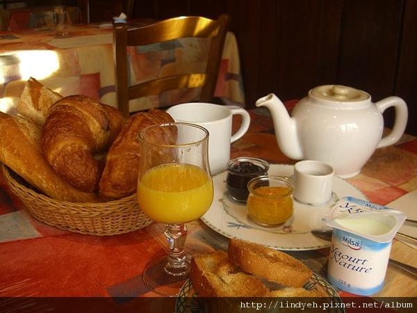 breakfast_03.jpg