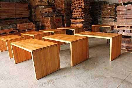 印尼檜木集成辦公桌 (1).JPG