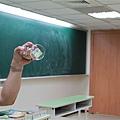 裝五色石的杯子是剛買的=___=標籤都還沒撕掉