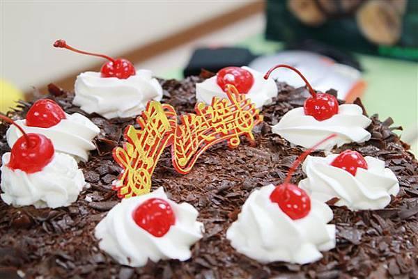 紅葉黑森林蛋糕--感謝葵提供!