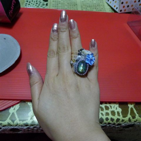 翦漾送的手工戒指,戒圍剛剛好喔!
