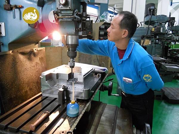 塑膠射出模具鋼模塑膠射出成品製造廠ISO9001推薦模具廠