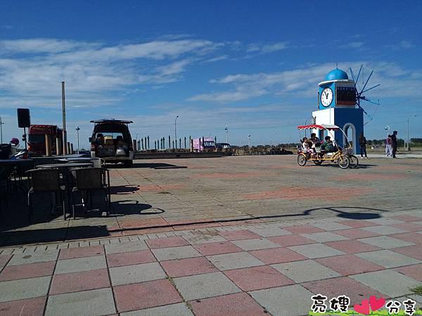風景優美,風很大的-新竹南寮漁港