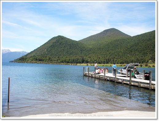 lake rotorua4.jpg