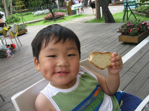 IMG_7938-香草咖啡館 翔翔食用麵包.JPG