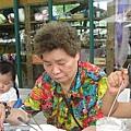 IMG_7952-香草咖啡館 媽媽食用濃湯.JPG