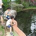 IMG_7972-皇后花園民歌演唱 兄弟餵魚.JPG
