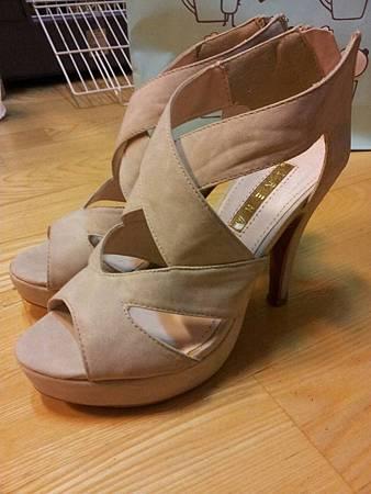 出清100元-9成新高跟涼鞋(34號)