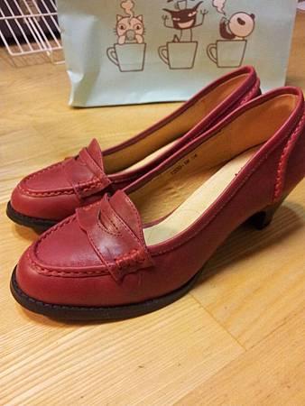 出清300元-全新DEC21酒紅色跟鞋(34號)