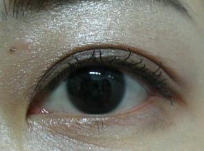 媚比琳睫毛膏05.jpg