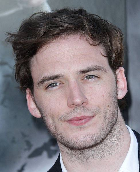 sam-claflin-screening-snow-white-and-the-huntsman-01.jpg