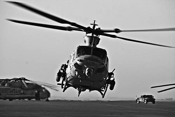 晉升像搭直升機