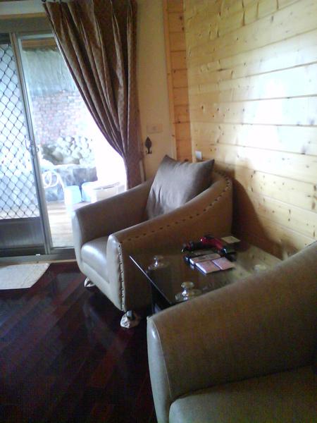 泡溫泉的房間,有舒服的大沙發..