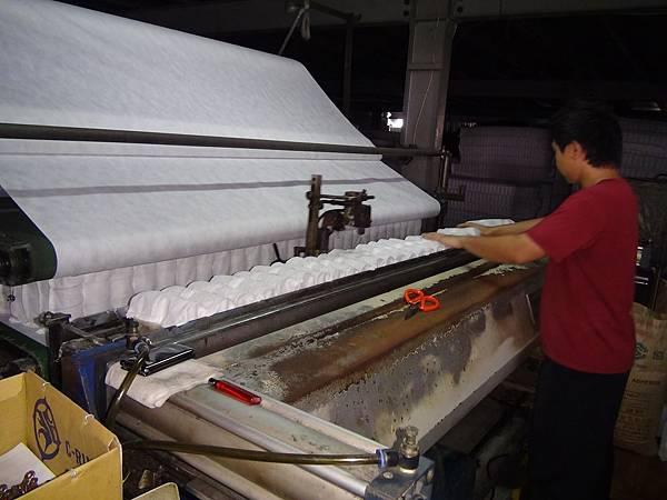 隆美彈簧床製作過程3