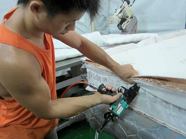 隆美彈簧床製作過程6