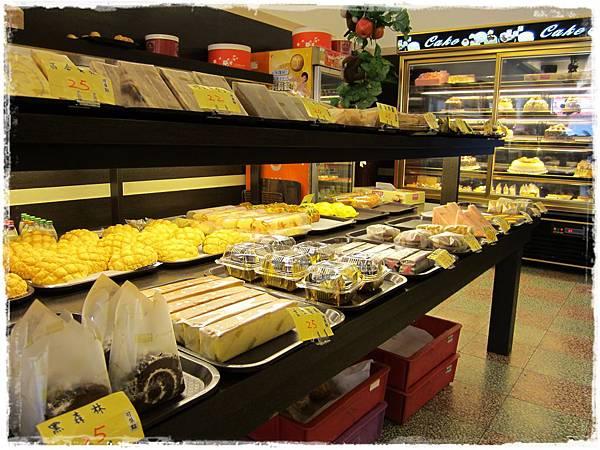 美食村蛋糕-店內2