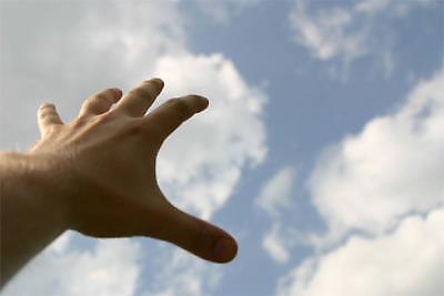 hand_reaching.jpg