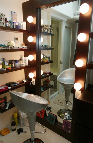 這鏡子上的燈到現在我還沒開超過10次
