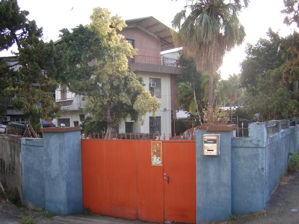 紅色的大門30年不變