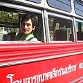空無一人的泰國巴士(司機不知道跑哪去勒)