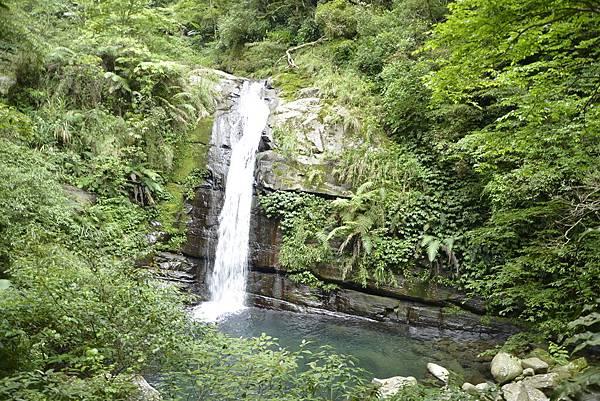 尖石鴛鴦谷瀑布.jpg