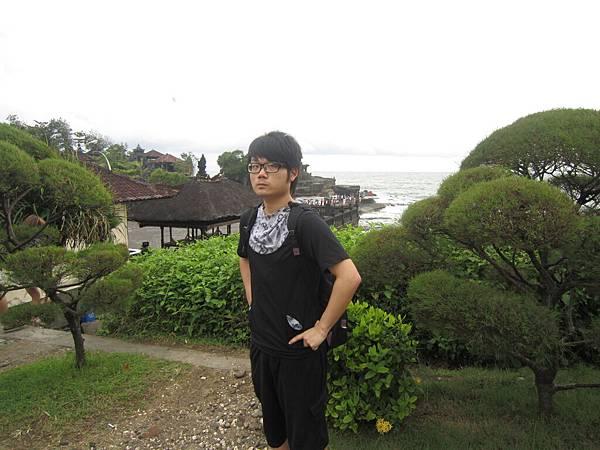 2011.1.29~2.2-峇里島-3-印度教聖地~海神廟-4(大少爺).JPG