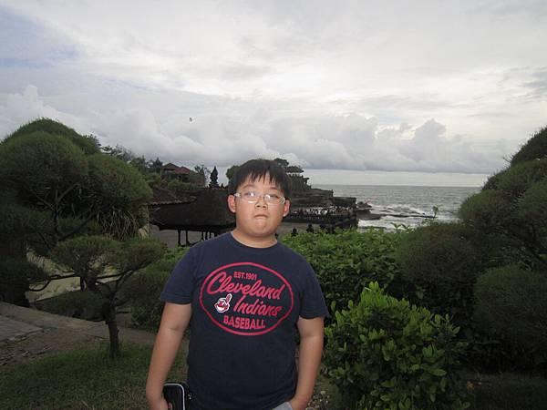 2011.1.29~2.2-峇里島-3-印度教聖地~海神廟-5(小少爺).JPG