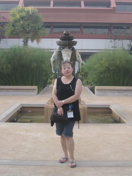2009.1-吳哥窟-21(美麗殿HOTEL.中庭).JPG