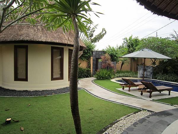 2011.1.29~2.2-峇里島-5-MUTIARA JIMBARAN VILLA(金巴蘭區)-住房全貌-1(第一客房).JPG