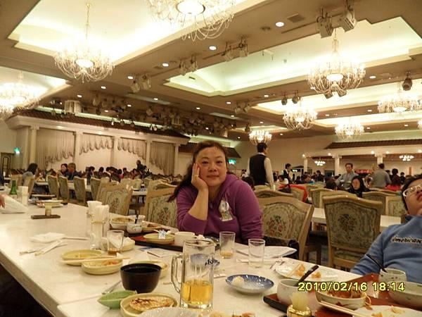 99.2-北海道-洞爺湖太陽宮殿-自助晚餐.JPG