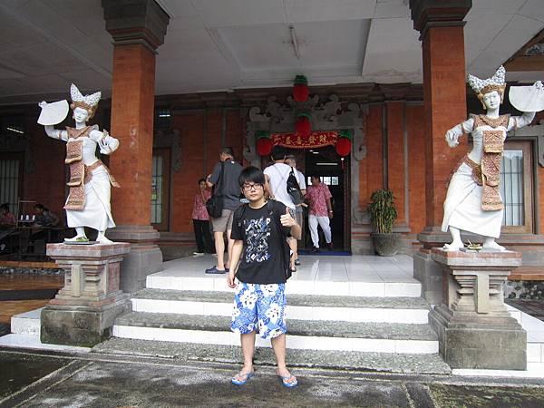 2011.1.29~2.2-峇里島-3-烏布傳統蠟染工房-1(大少爺).JPG