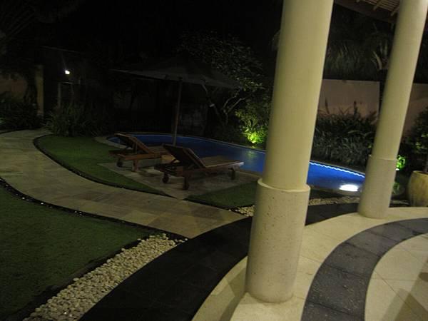 2011.1.29~2.2-峇里島-3-MUTIARA JIMBARAN VILLA(金巴蘭區)-獨棟三房-1.JPG