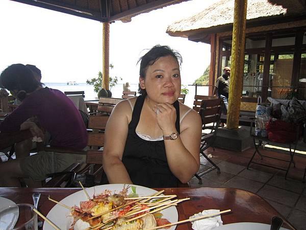2011.1.29~2.2-峇里島-2-星願灣日遊-2-29(灣岸BBQ碳烤午餐~宮主).JPG