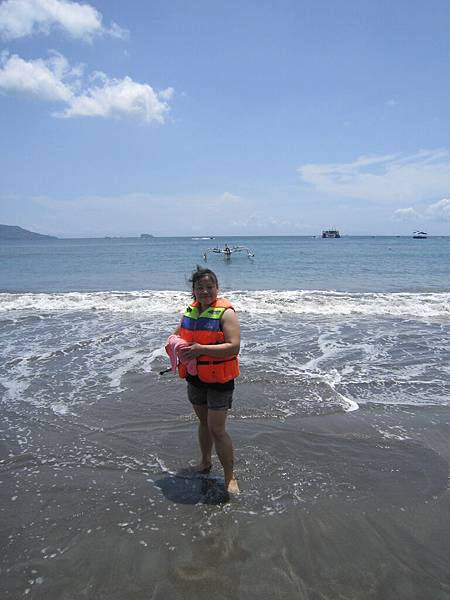 2011.1.29~2.2-峇里島-2-星願灣日遊-2-2(前往亞特蘭提斯號潛艇~宮主).JPG