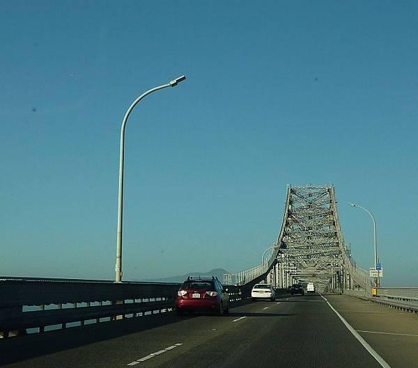 9310 被稱Rollercoaster Bridge的大橋