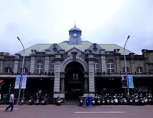 22302 200 沒有站名的新竹車站