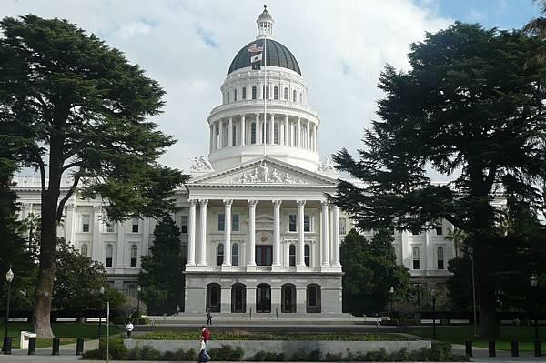 15408 Sacramento State Capitol